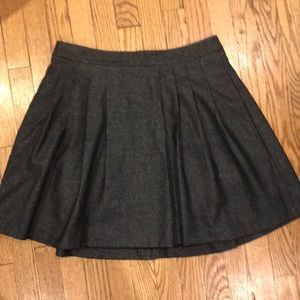 Banana republic pleated skirt with pockets